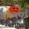 dnews_mon_1030_pumpkinparade5