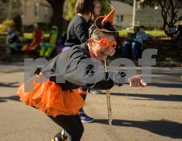 dnews_mon_1030_pumpkinparade