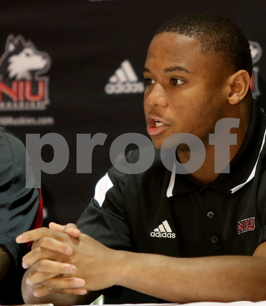 dspts_1031_NIU_MediaDay_13
