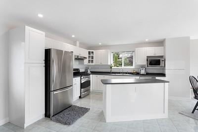 1074 Kitchen 1