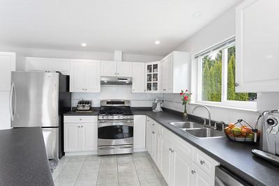1074 Kitchen 2