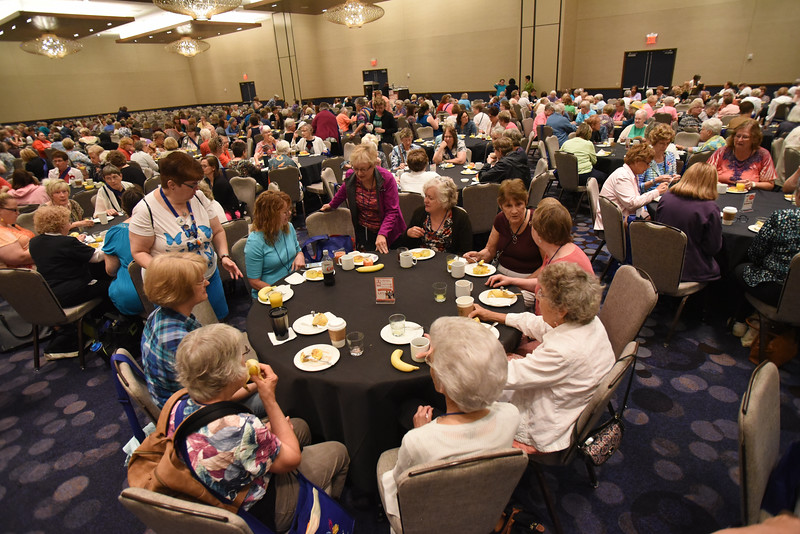 Tenth Triennial Gathering | Nearly 1,000 first-time attendees enjoyed breakfast.