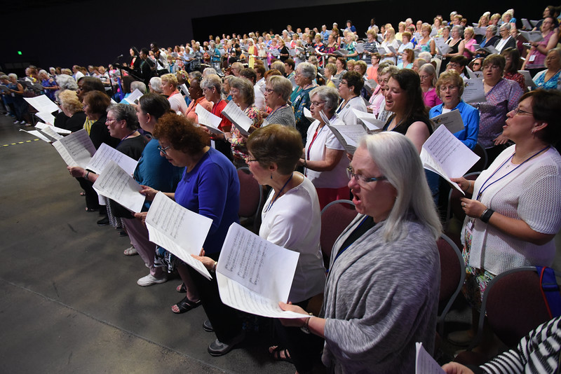 Tenth Triennial Gathering | Around 300 people joined in singing in the choir at each service.