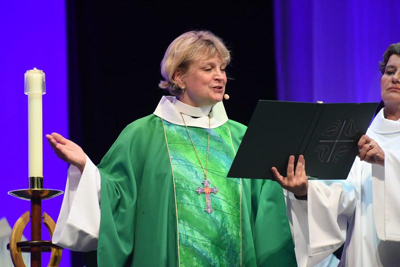 Tenth Triennial Gathering | Ann Svennungsen (bishop of Minneapolis Area Synod) leads opening worship.