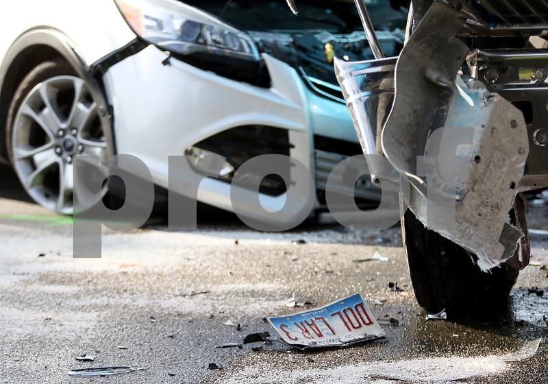 dnews_1101_Vehicle_Crash_03