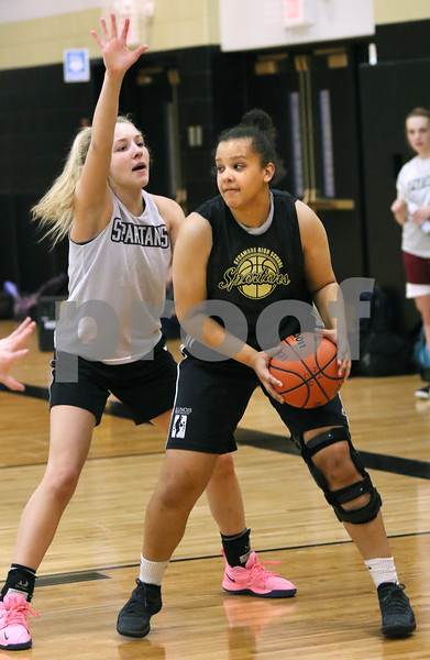 dc.sports.1112.sycamore girls basketball ADV05