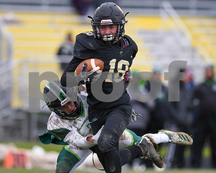 dc.sports.1104.sycamore football18