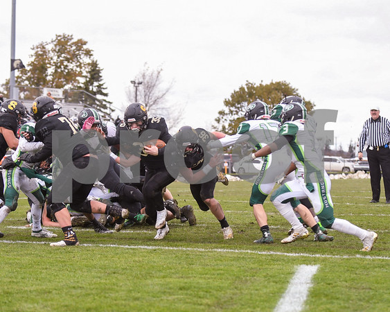dc.sports.1104.sycamore football10