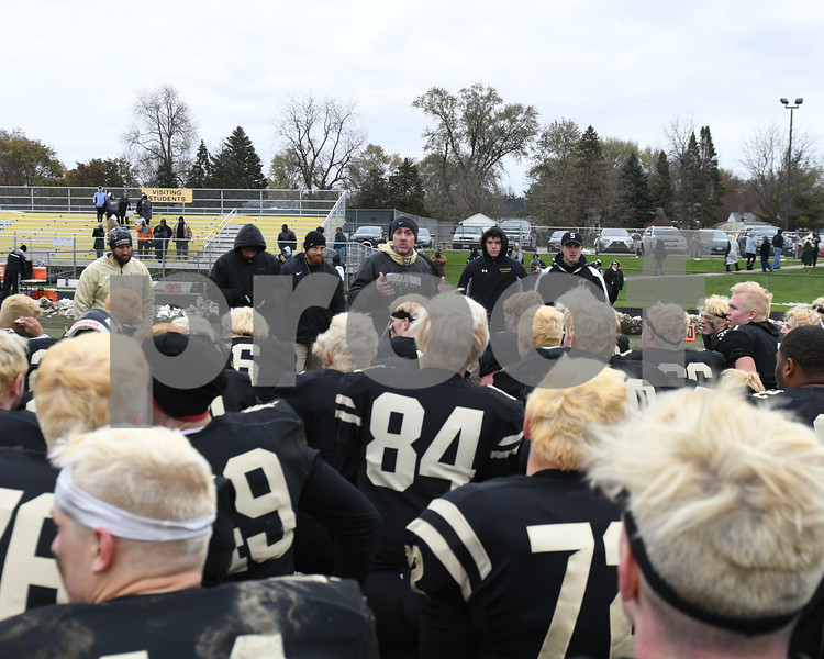 dc.sports.1104.sycamore football22