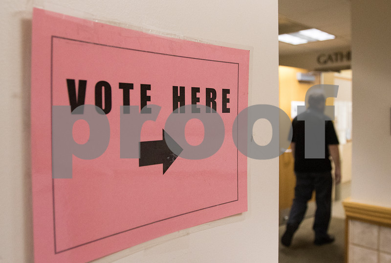 dnews_1103_Early_Voters_04