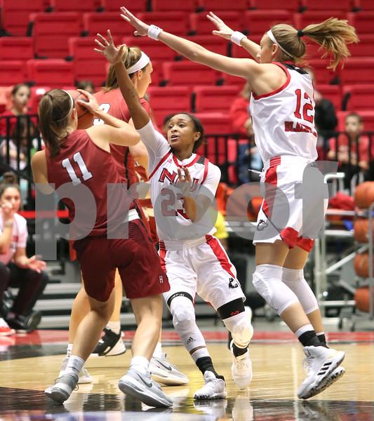 dc.sports.1106.niu basketball06