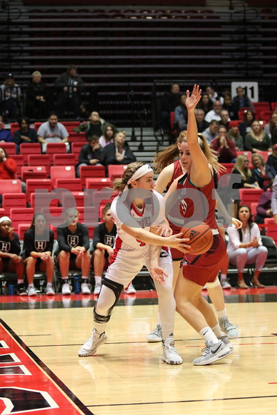 dc.sports.1106.niu basketball