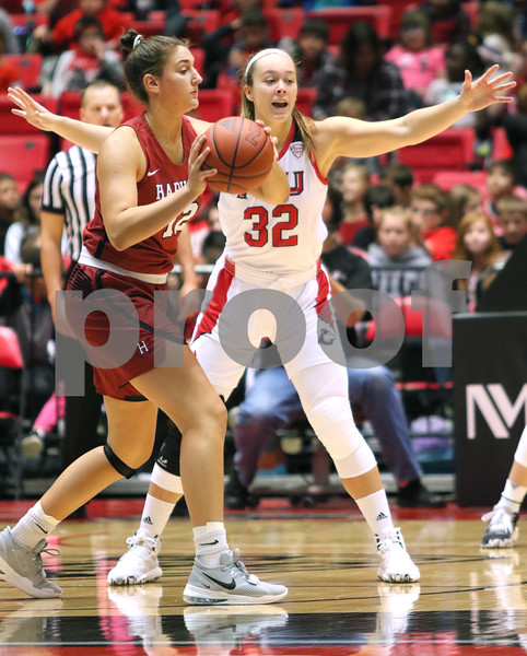 dc.sports.1106.niu basketball11