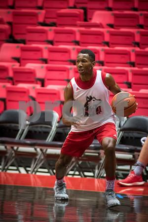 Sam Buckner for Shaw Media.<br /> Eugene German makes a move toward the basket during practice on Monday November 7, 2016.