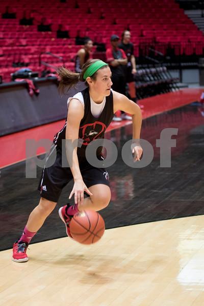 Sam Buckner for Shaw Media.<br /> Mikayla Voigt drives to the basket in practice on Monday November 7, 2016.