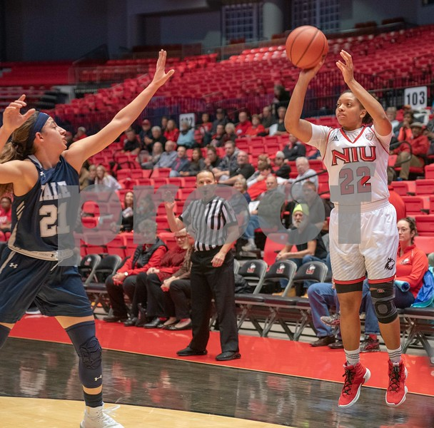 dc.sports.1109.niu womens basketball