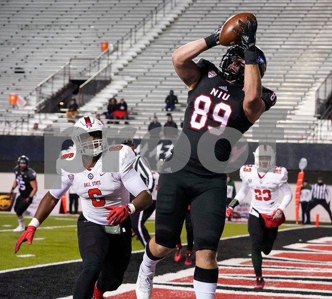 DC. Sports.1110.NIU_ball_state_football