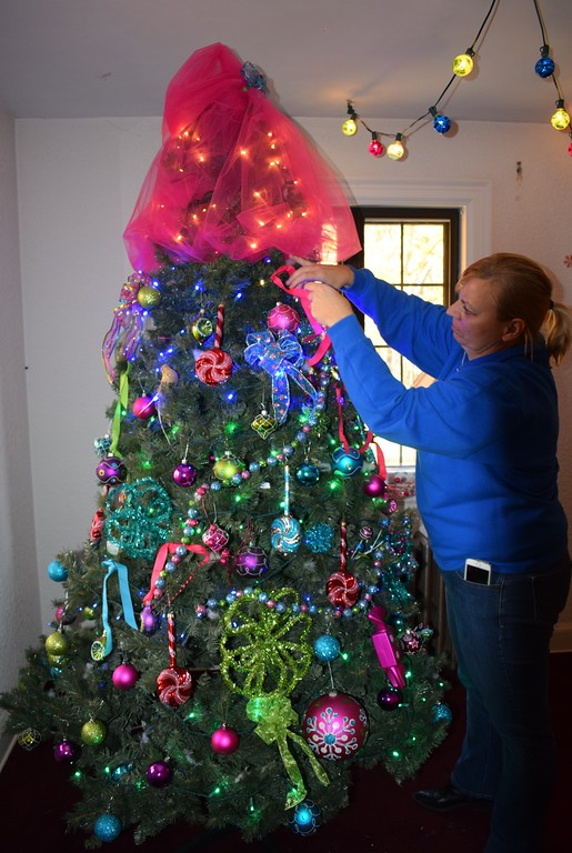 Photos Holiday Decorations Popping Up In Lorain County November