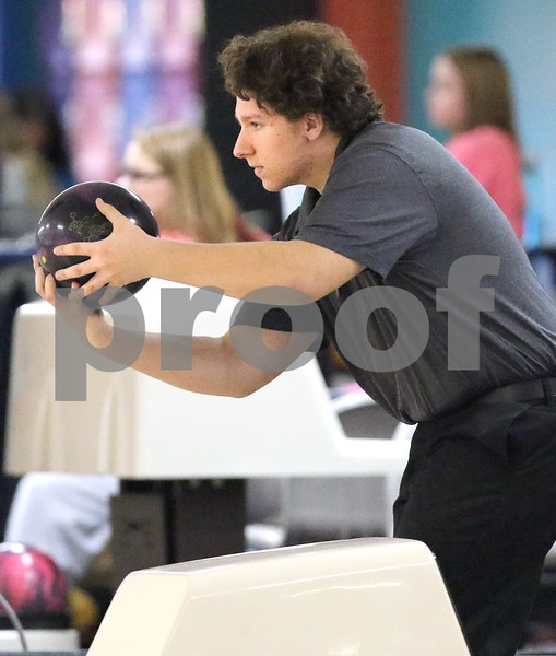 dc.sports.1113.dek syc bowling03