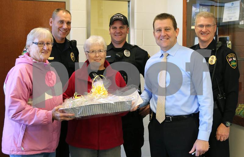 dc.1115.Cookies for Cops