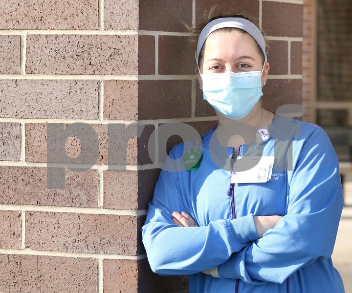 dc.1125.covid19.nurse.check.in05