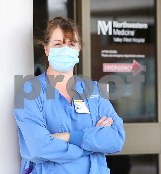 dc.1125.covid19.nurse.check.in03