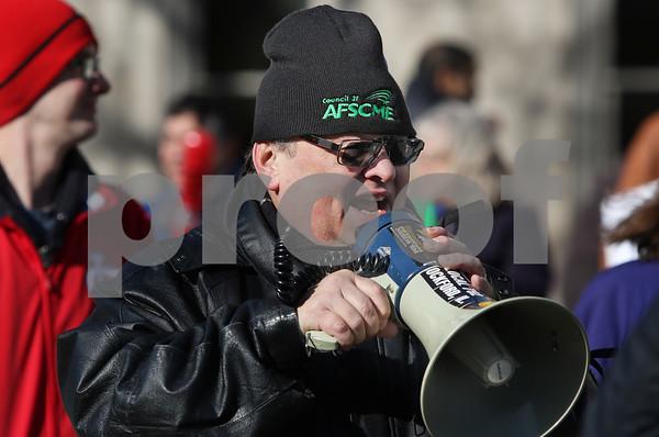 dnews_1120_AFSCME_Protest_08