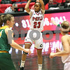 dc.sports.1129.niu women01