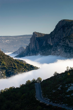 Europe, France, Provence, Grand Canyon du Verdon covered in fogg on early autumn morning