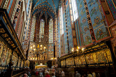 Poland, Cracow, interior of Mariacki Church with altarpiece by Wit Stwosz