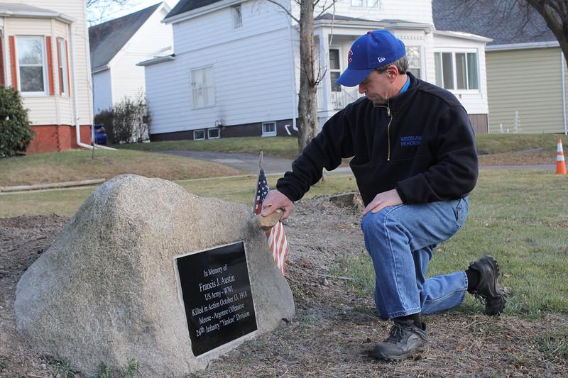 Lynn121218-Owen-restored memorials07