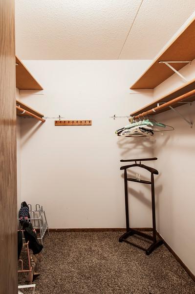closet1030218