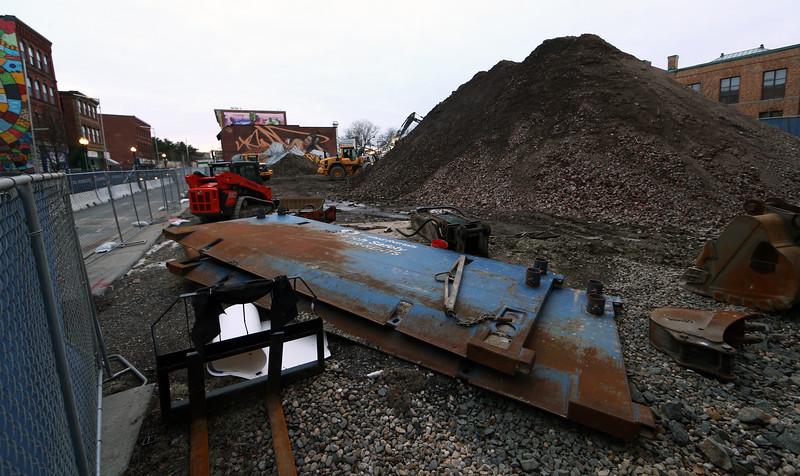 Munroe construction1