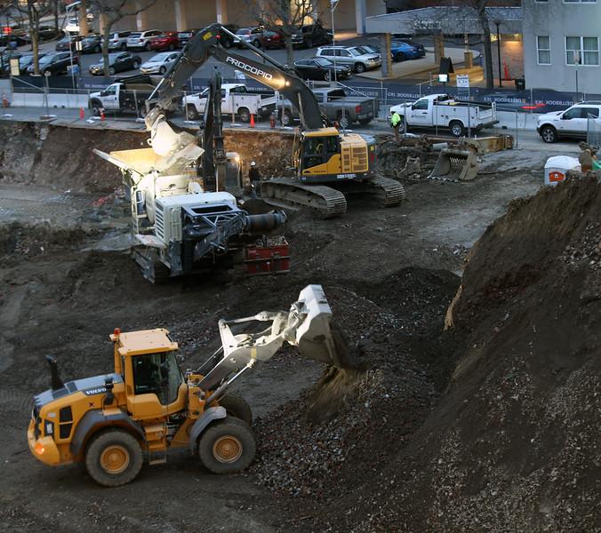 Munroe construction3