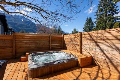 1201 Hot Tub