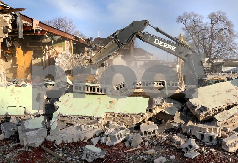 dc.1204.dekalb clinic demolition