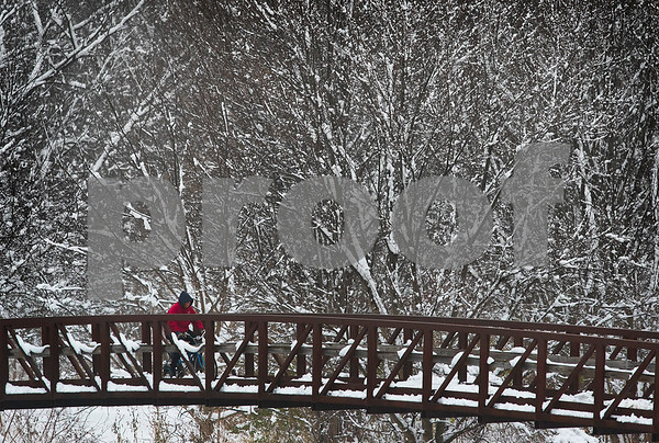 120516 Snow Features (MA)