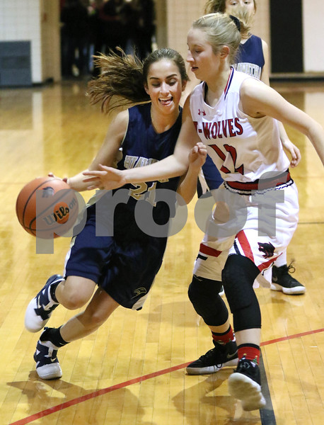 dc.sports.1208.ic hia girls hoops02
