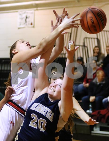 dc.sports.1208.ic hia girls hoops06