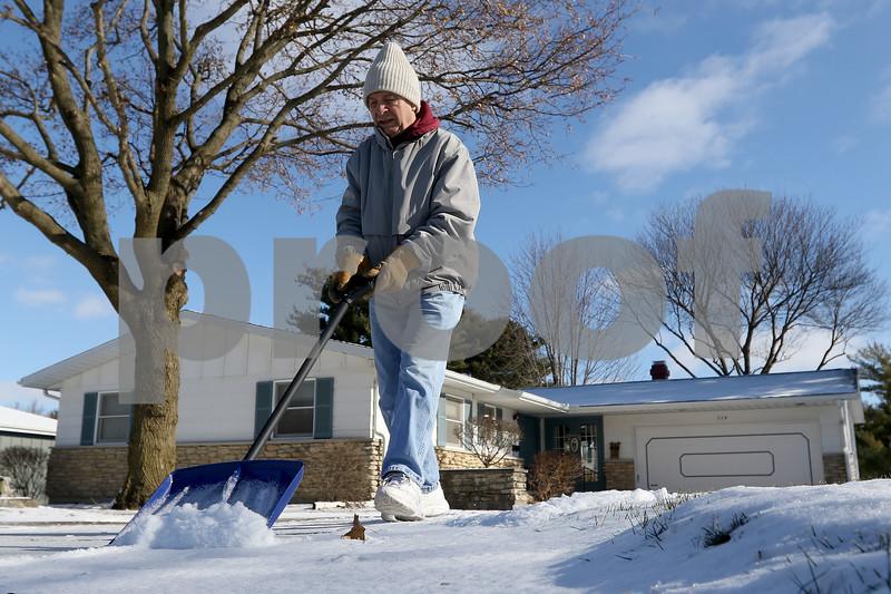 dnews_1212_Snow_Shoveling