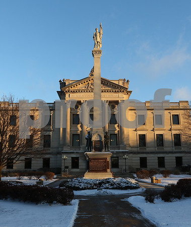 dnews_1212_Courthouse_Dawn_06