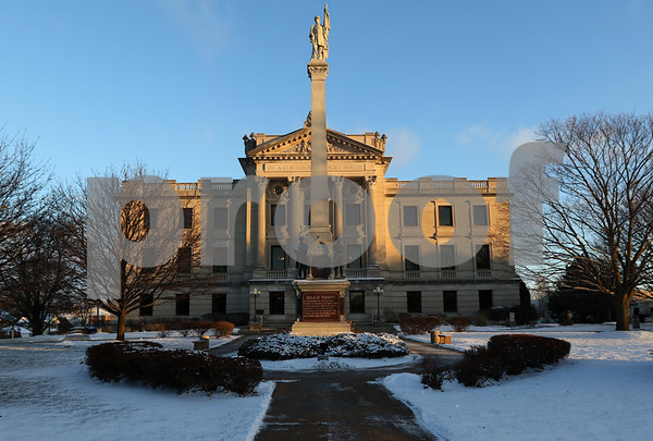dnews_1212_Courthouse_Dawn_11