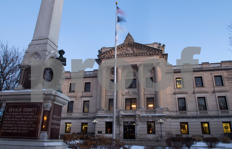 dnews_1212_Courthouse_Dawn_10