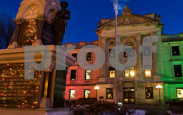 dnews_1212_Courthouse_Dawn_09