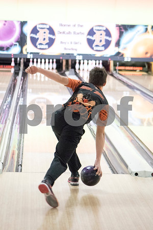 Sam Buckner for Shaw Media.<br /> Logan Zarek throws the ball down the lane on Thursday December 14, 2017.
