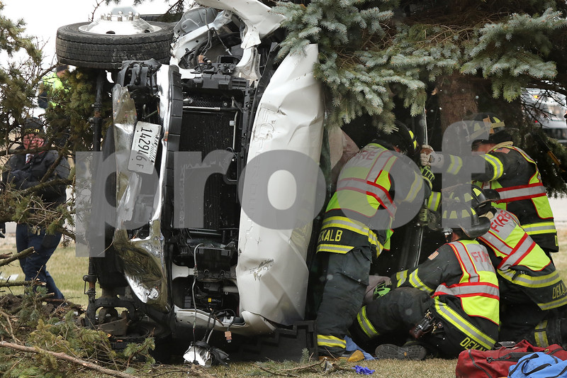 dnews_1215_DeKalb_Crash_01