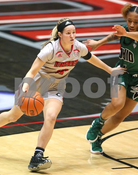 dc.1217.NIU women vs Ohio basketball02
