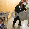dnews_1223_HyVee_Employee_02