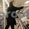 dnews_1223_HyVee_Employee_05
