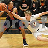 dnews_1229_Dayton_Basketball_02